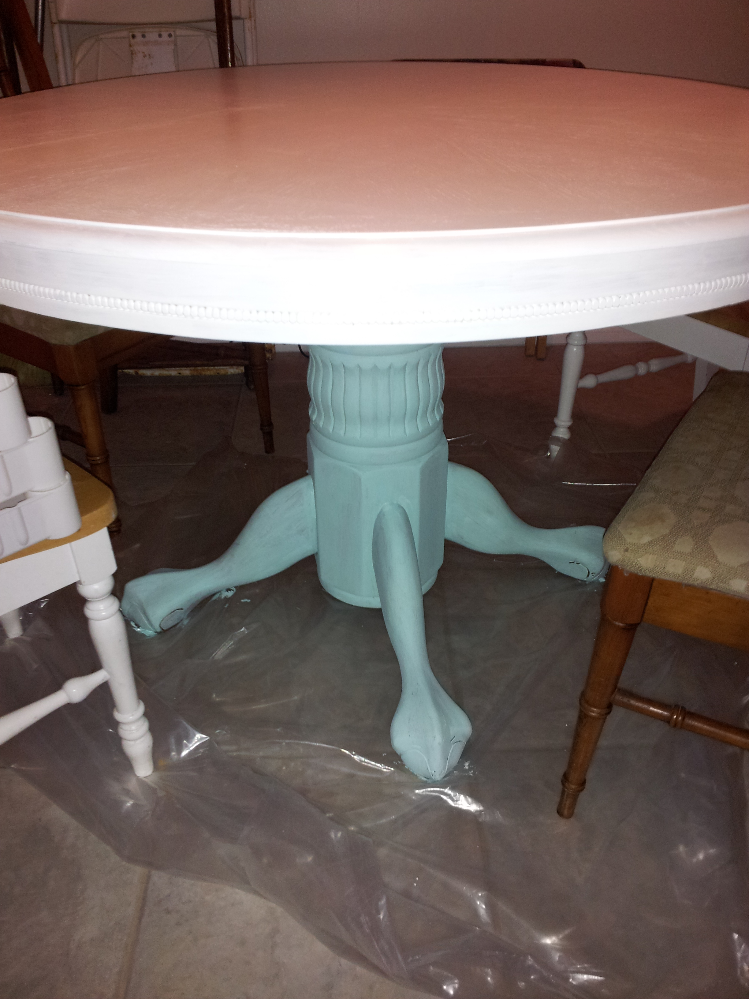 Painted Thrift Store Table Redo - Find out more at frommarriedtomerry.wordpress.com
