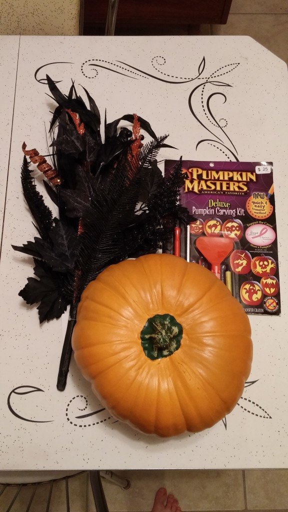 Easy DIY Pumpkin Halloween Centerpiece