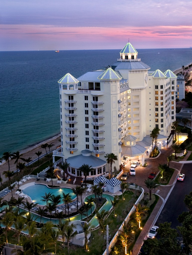 Florida Hotels To Fall In Love With This Valentine's Day - Pelican Beach Resort